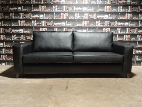 Barkley Sofa Front