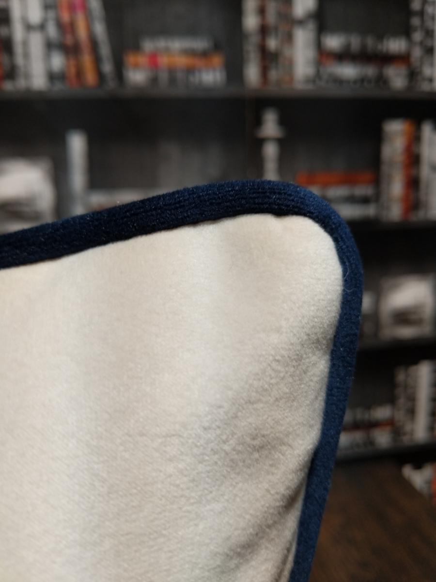 bone cushion closeup