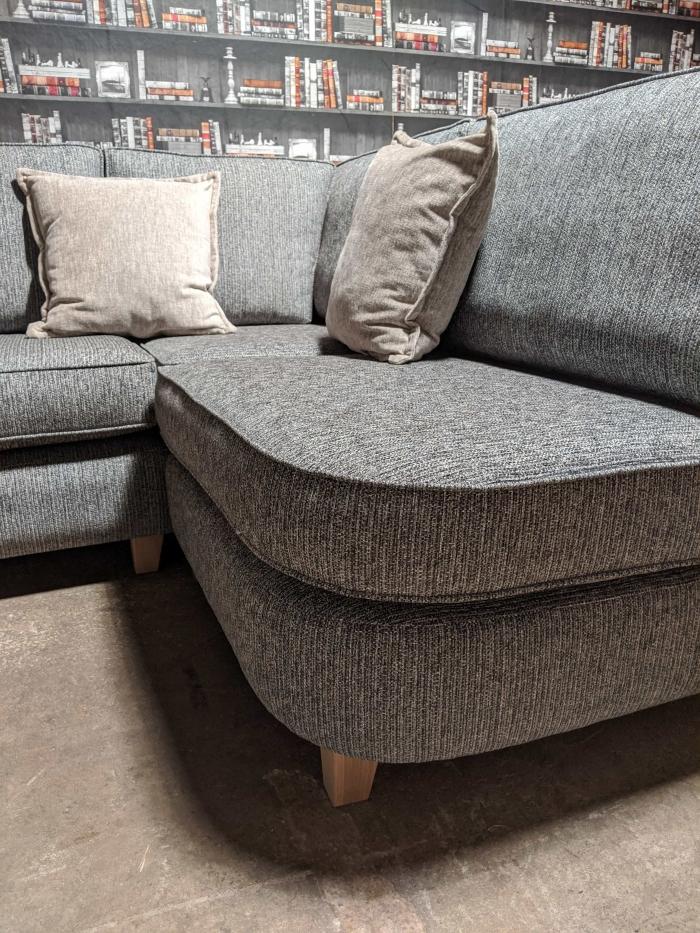 Logan Corner-Sofa Curve view